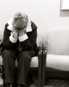 82787-360-woman-in-hospital-waiting-room