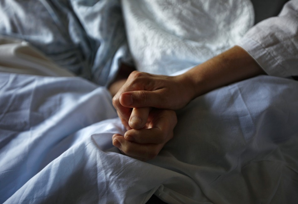 woman-dying-from-cancer
